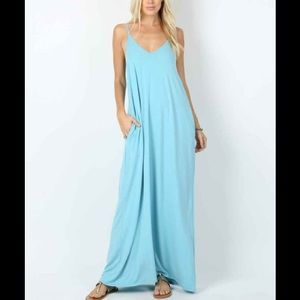 Long flowy maxi dress 👗